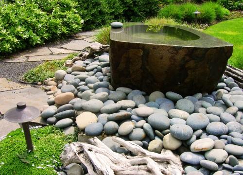 http://www.stangelandlandscape.com/wp-content/uploads/2014/08/Fountain-Pond-1-1000x600.jpg