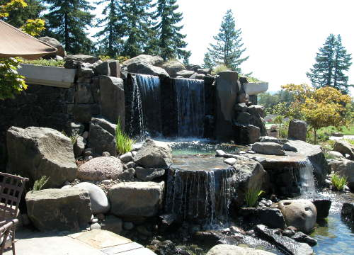 http://www.stangelandlandscape.com/wp-content/uploads/2014/08/waterfall-1000x600.jpg