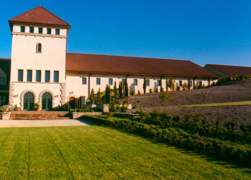 http://www.stangelandlandscape.com/wp-content/uploads/2014/08/winery-960x600.jpg