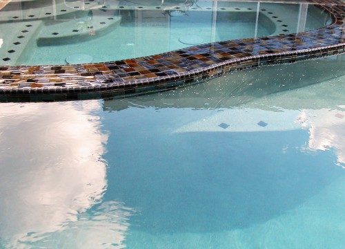 http://www.stangelandlandscape.com/wp-content/uploads/2014/09/Swimming-Pools-2-1000x600.jpg